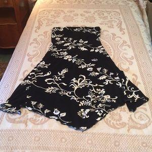 Dresses & Skirts - Strapless, swingy dress